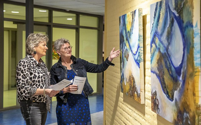 Kunstkijken Tubbergen Opening tentoonstelling in Almelo