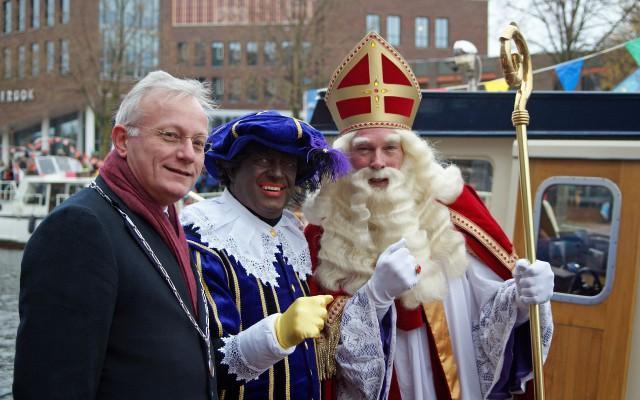 Sinterklaas ontvangen door de burgemeester