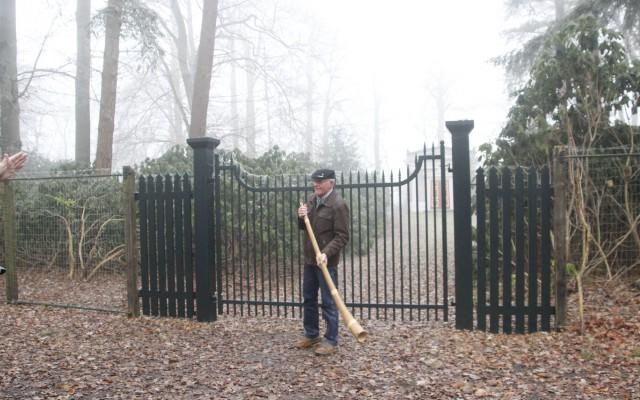 Gerard Braakhuis oudste Beeklustblazer laat de midwinterhoorn klinken