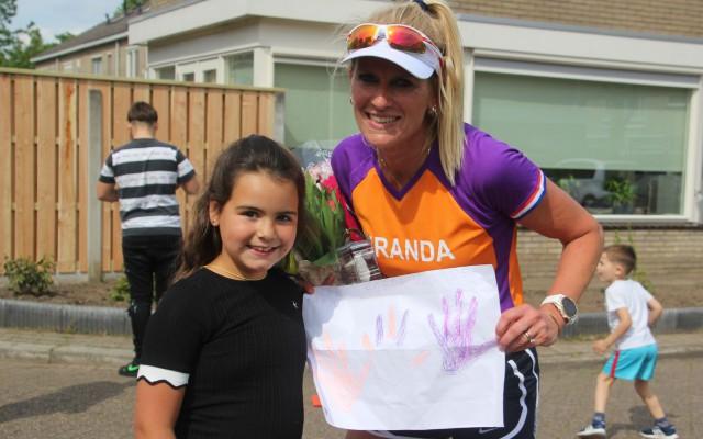 Miranda samen met haar dochter