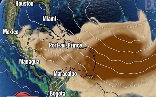 Stofwolken die over de Caribben trekken