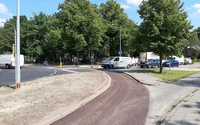 Bredere stroken tussen rijbaan en fietspad moeten meer veiligheid opleveren