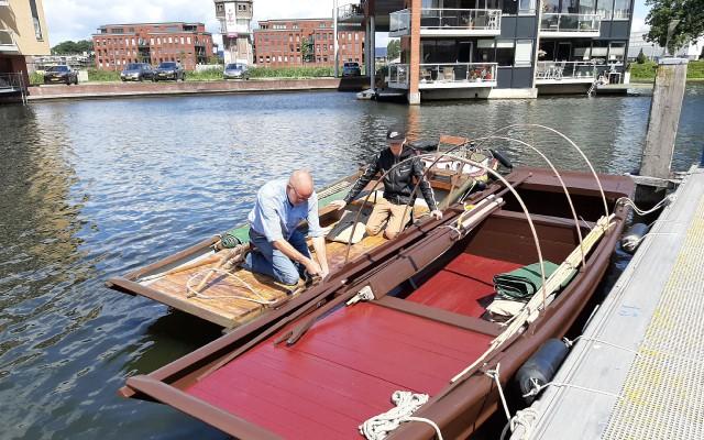 De Sampran wordt bevestigd aan de grote broer in de Centrumhaven van Almelo