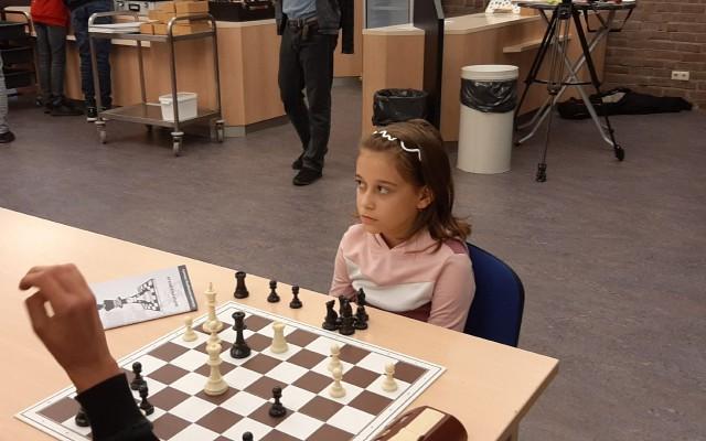 Nog piepjong maar een groot schaaktalent