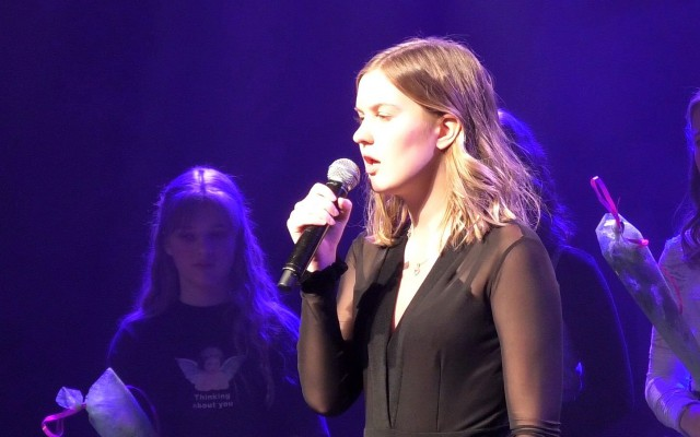 Emma tijdens the Voice of Almelo in 2019