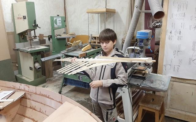Wieken gemaakt in de werkplaats van zijn vader