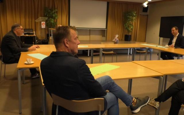 Lodewijk Asscher in Bibliotheek Almelo