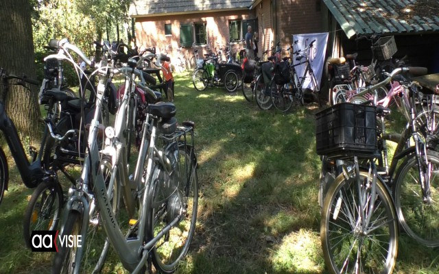 Veel mensen kwamen op de fiets