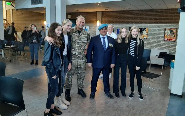 Vier leerlingen interviewden de orlogsveteranen