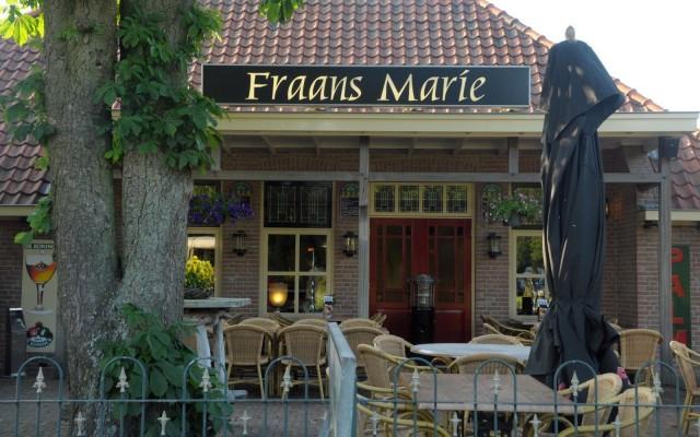 Bij Fraans Marie werd het bruiloftsmaal genoten.