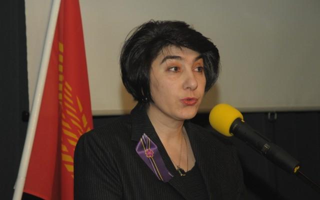 De Armeense ambassadeur mevr. Dziunik Aghajanian