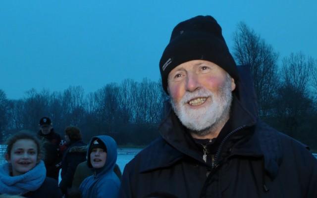 Blije voorzitter Bennie Velten IJsclub Wintervreugd
