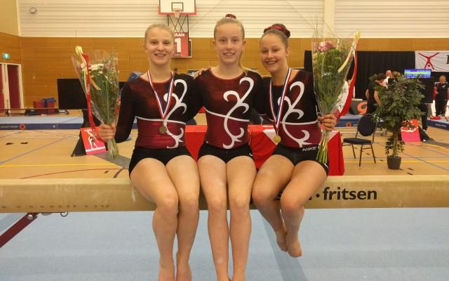 Van links naar rechts Eline Groen, Carmen van Dijk en Lauren Olsman