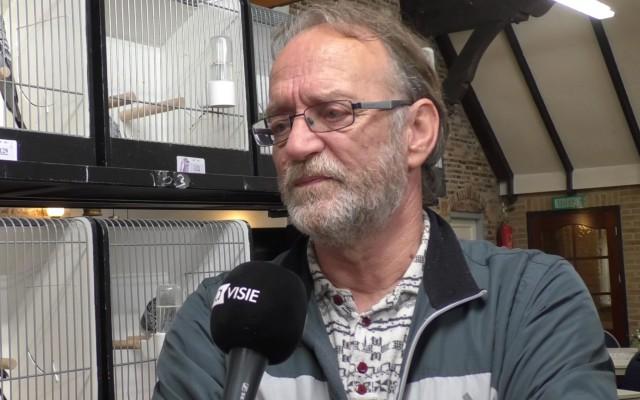 Jaap Rauw, voorzitter van de Overijsselse Parkieten Club