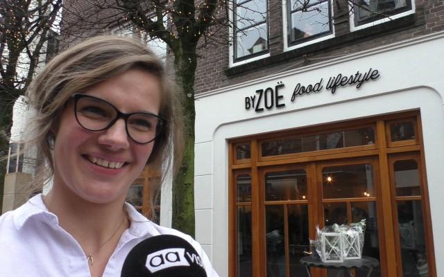 Zoe Loupatti voor haar zaak