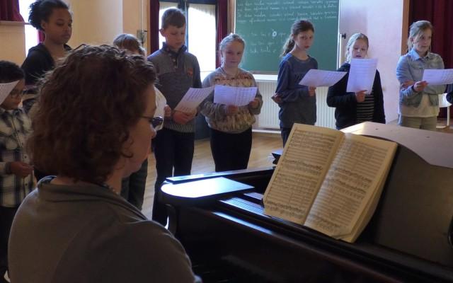 Muziekdocent Marieke Zoutendijk