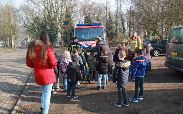 De brandweer komt op bezoek