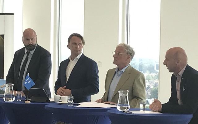 Marcel Zielman (CDA), Jemy Pauwels (VVD), Gijs Stork (LAS) en Wouter Teeuw (CU) vlnr