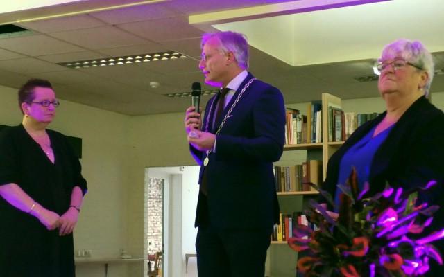 Burgemeester Gerritsen gaf royale complimenten aan de initiatiefnemers, de vrijwilligers .